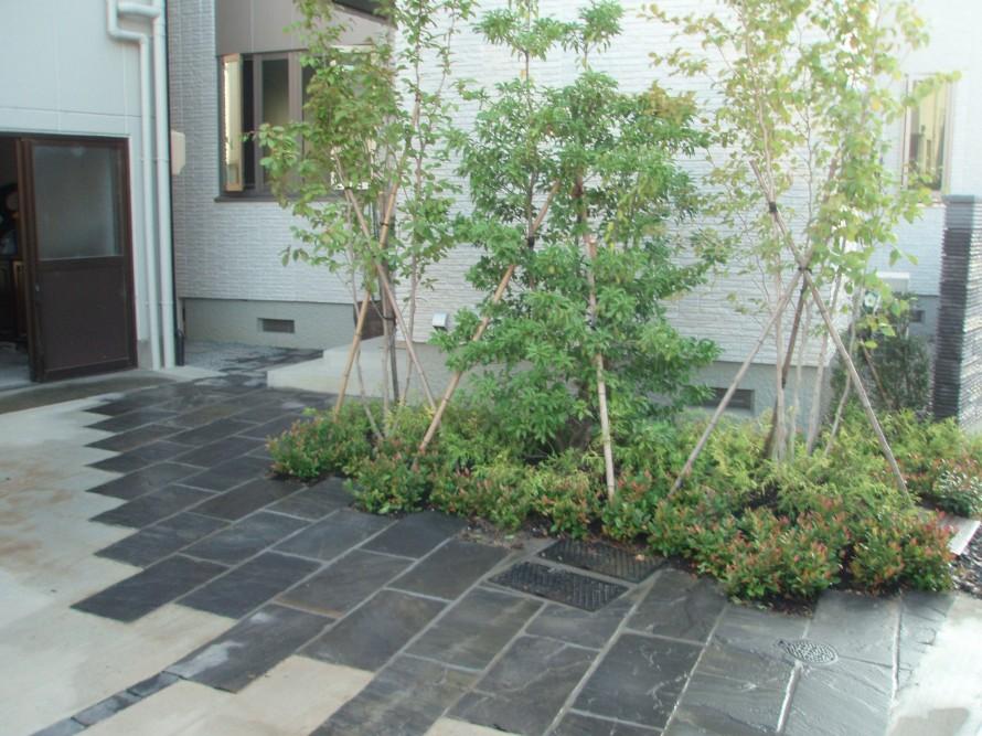 モダンなアプローチ、庭つくり、外構工事、ガーデン、ガーデニング