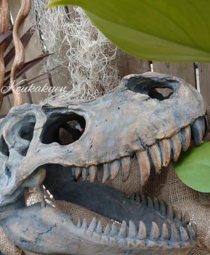 恐竜オブジェ。