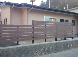 樹脂フェンス1